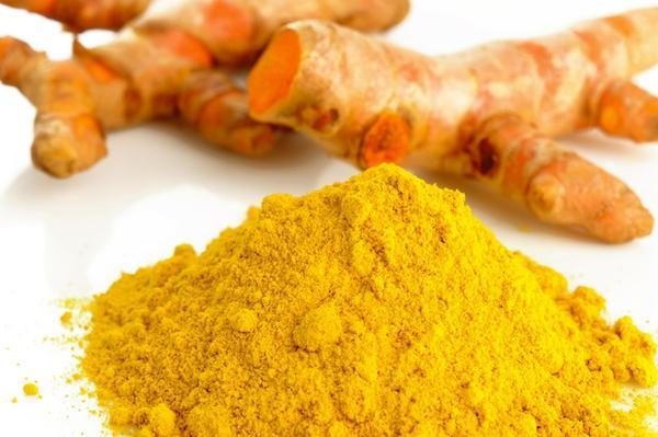 Tinh bột nghệ là một trong những phương pháp chữa đau dạ dày hiệu quả nhất mà không cần phải dùng thuốc tây